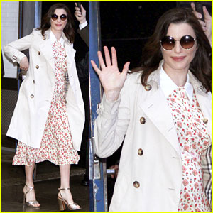 Pregnant Rachel Weisz Covers Baby Bump With Pretty Floral Dress