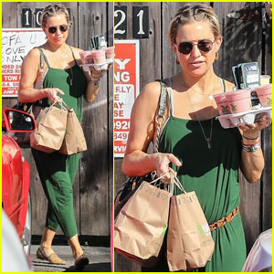 Kate Hudson Hides Her Baby Bump While on Smoothie Run
