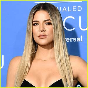 Khloe Kardashian Calls Out 'Thirsty' Fan For Snapping Her Photo