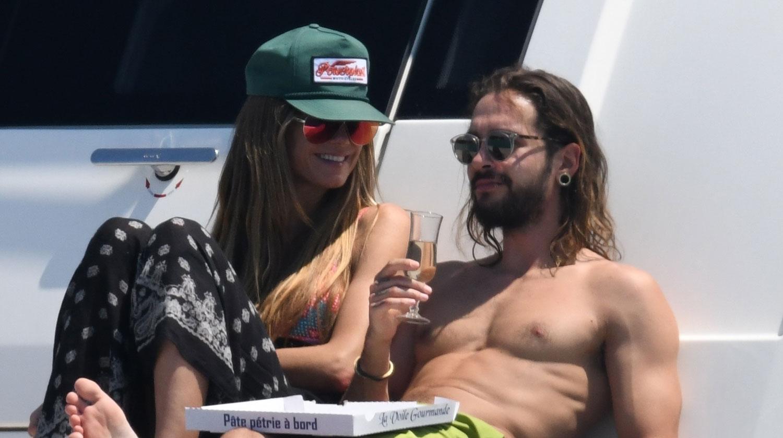 4fc3cc3b8e Heidi Klum & Tom Kaulitz Flaunt Their Bodies & PDA in Cannes | Bikini, Heidi  Klum, Shirtless, Tom Kaulitz : Just Jared