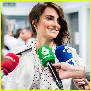 Penelope Cruz Presents Leukemia Research Grant to Hospital in Spain!