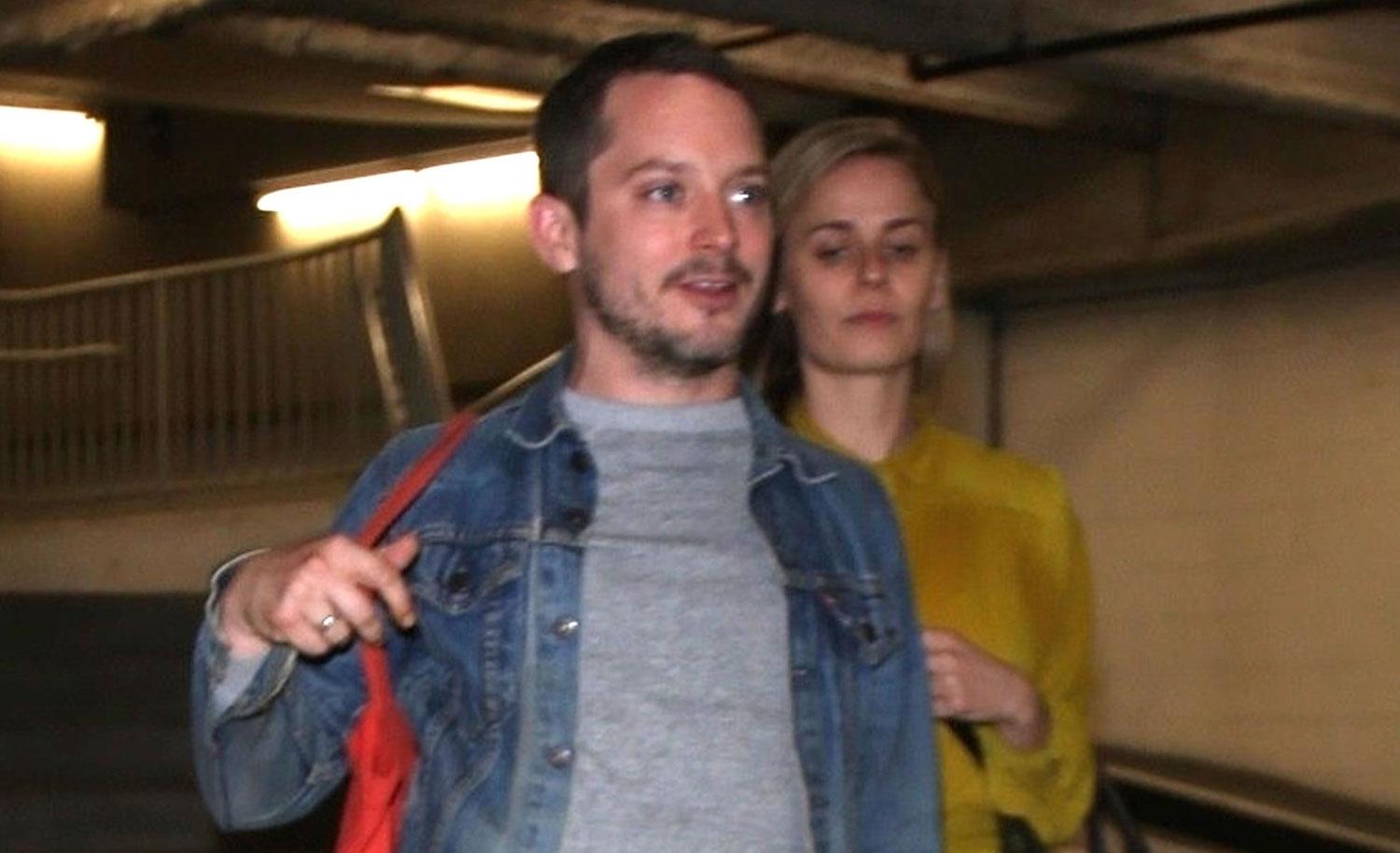 Elijah Wood Goes to th...