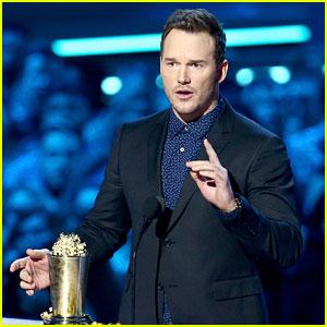 Chris Pratt Teaches Fans How to Poop in Public During MTV Awards Speech (Video)