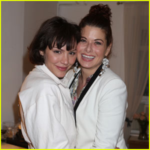 Katharine McPhee & Debra Messing Have a 'Smash' Backstage at 'Waitress'