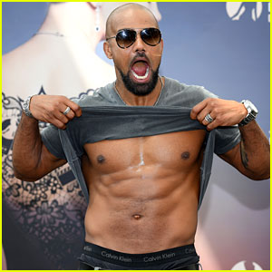 Peter hermann photos news and videos just jared shemar moore lifts his shirt shows his abs on the red carpet thecheapjerseys Images