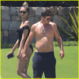 Robin Thicke Goes Shirtless for Volleyball Game with April Love Geary in Mexico