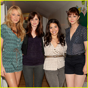 'Sisterhood of the Traveling Pants' to Become a Stage Musical