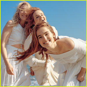 Zoey Deutch Opens Up About Working With Her Mom on 'The Year of Spectacular Men'