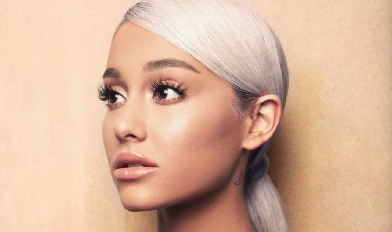 「sweetener ariana grande album cover」的圖片搜尋結果