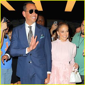 Jennifer Lopez & Alex Rodriguez Hold Hands in NYC!