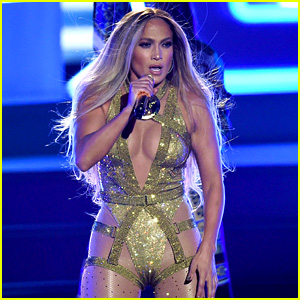 Jennifer Lopez Performs Her Greatest Hits for Epic VMAs 2018 Performance (Video)