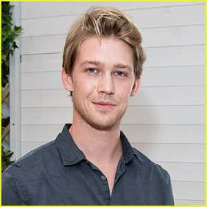 Joe Alwyn Switches His Instagram Account From Private to Public!