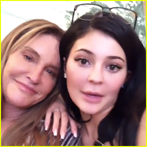 Caitlyn Jenner Helps Kylie Jenner Test Out Her New Lip Kit Instagram Filter!