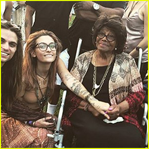 Paris Jackson Performs With Her New Band The Soundflowers in Front of Grandmother Katherine Jackson!