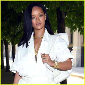 Rihanna's LA Home Surrounded by Cops & Helicopter