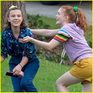 'Stranger Things' Kids Goof Off on Set In Between Scenes!