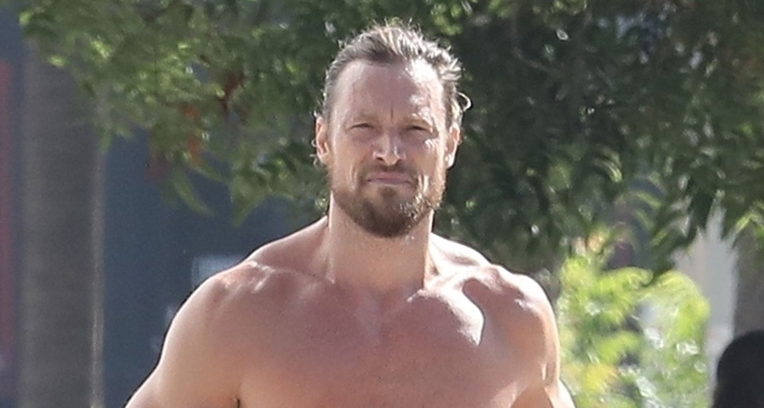 Shirtless Gabriel Aubry Bares Ripped Body In Hot New