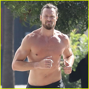 Shirtless Gabriel Aubry Bares Ripped Body in Hot New Photos!