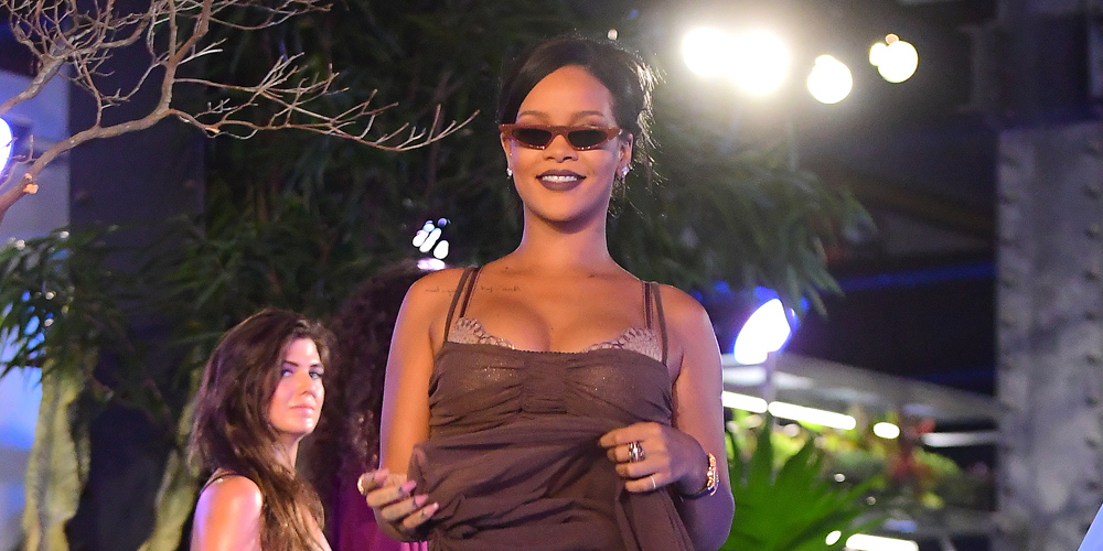buy popular a970f 09245 Rihanna Reigns At Her Savage X Fenty Fashion Show During ...