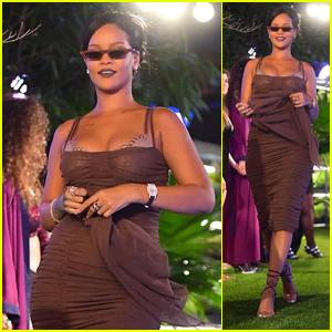 buy popular e867c 329b9 Rihanna Reigns At Her Savage X Fenty Fashion Show During ...