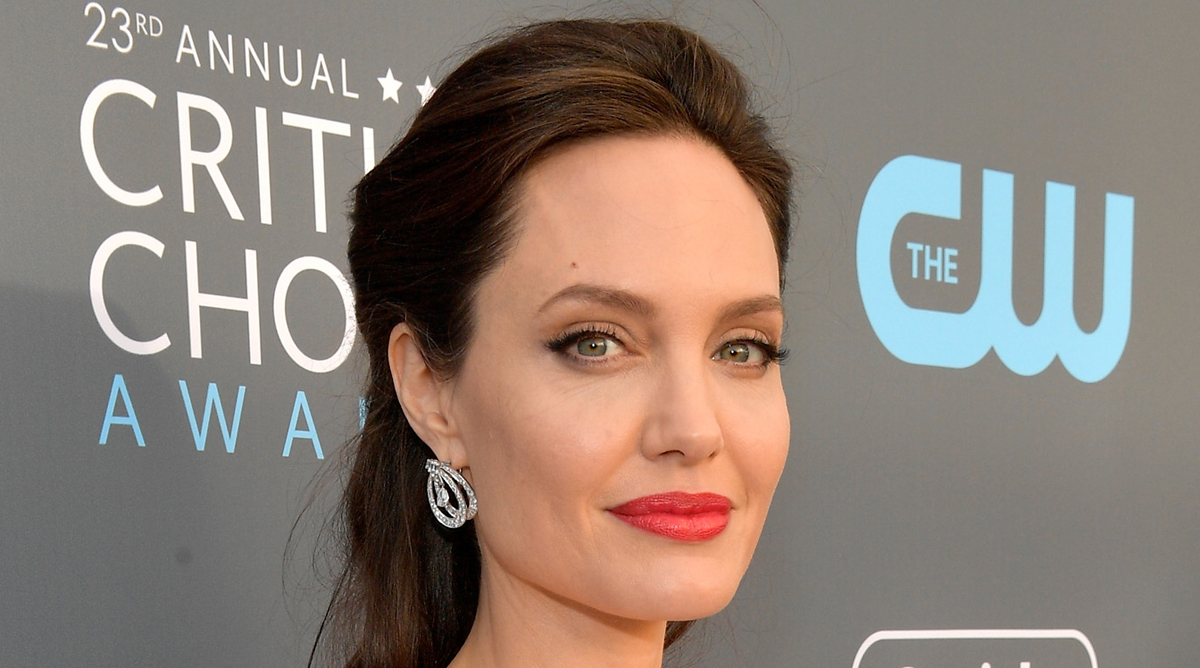 Angelina Jolie News: Angelina Jolie Looks Nearly Unrecognizable As A Blonde For