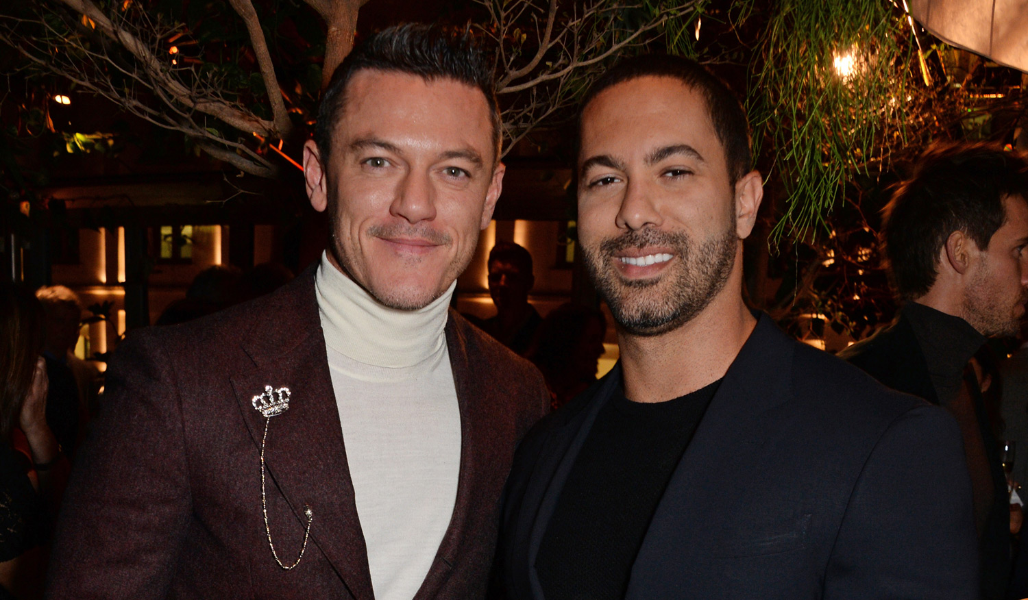 Luke Evans Amp Boyfriend Victor Turpin Couple Up At Gq Party