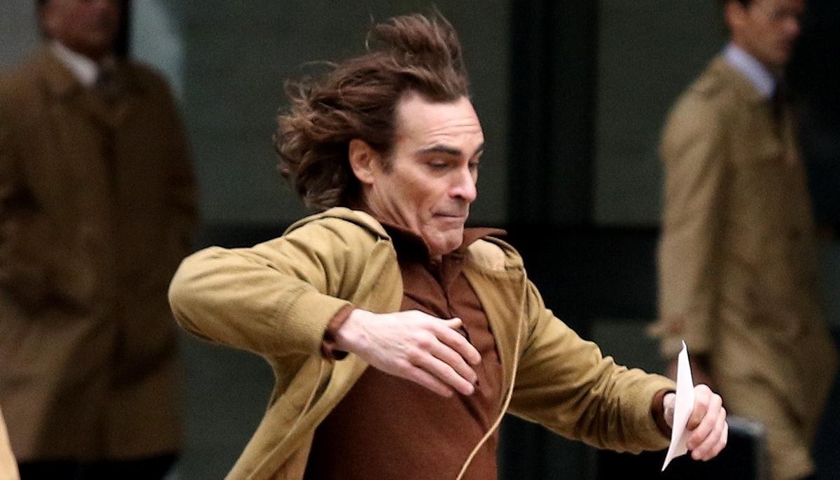 Joaquin Phoenix Takes a Big Fall While Filming 'Joker' Movie