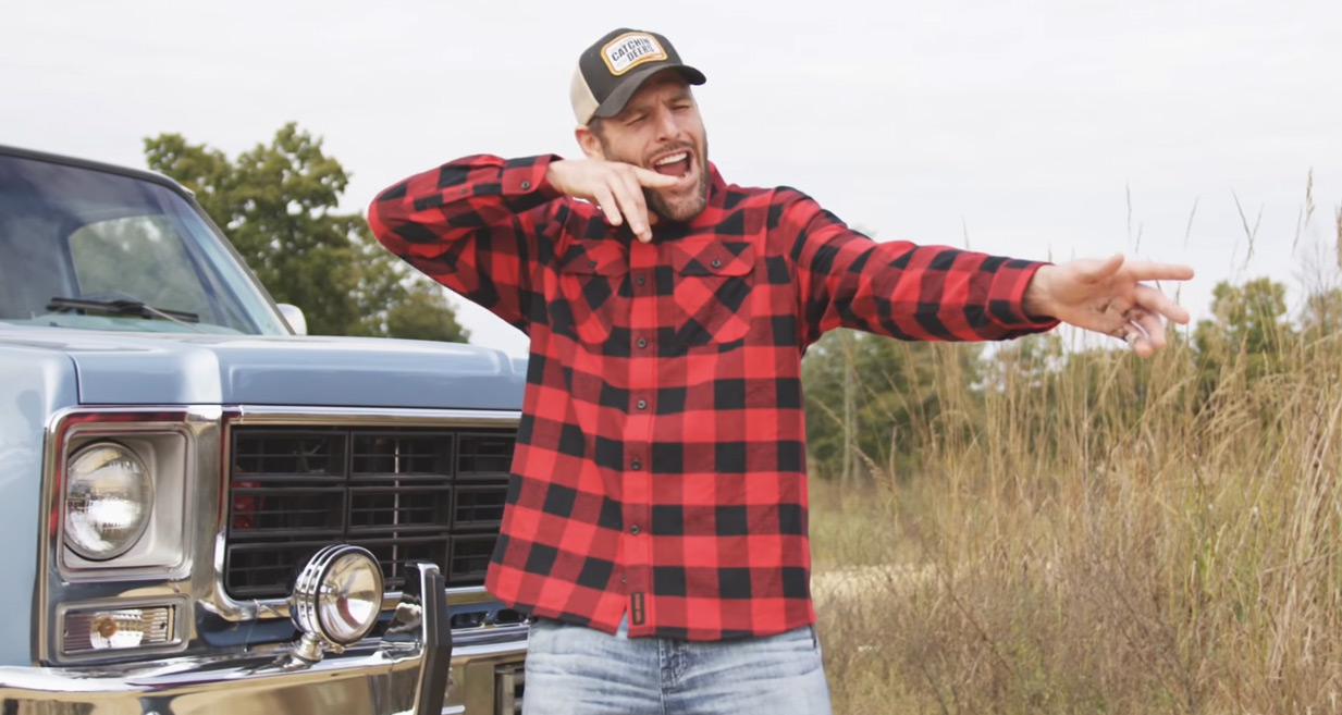 3b71360a35 Carrie Underwood's Husband Mike Fisher Spoofs 'Before He Cheats' for Hunting-Themed  Video | Carrie Underwood, Mike Fisher : Just Jared