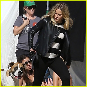 Kristen Bell Films a 'Veronica Mars' Scene at the Beach