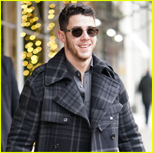 Nick Jonas Does Some Jewelry Shopping in NYC!