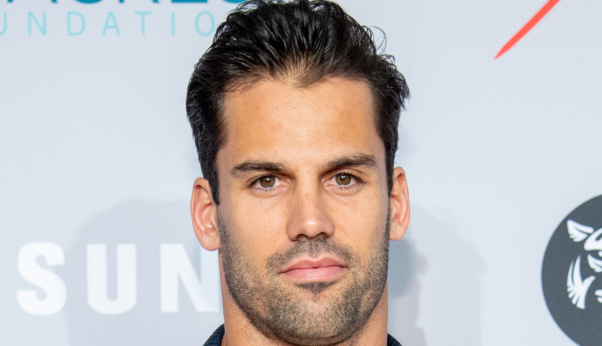 f0f1c578884 Eric Decker's Chiseled, Bare Body is On Display in Jessie James Decker's  Stripped Down Photo! | Eric Decker, Jessie James Decker : Just Jared