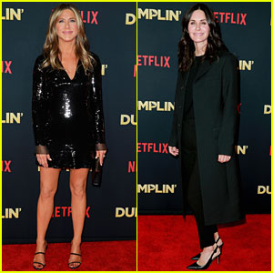 Jennifer Aniston & Courteney Cox Have 'Friends' Reunion at 'Dumplin' Premiere!