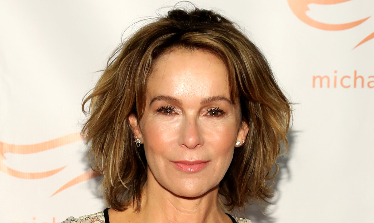 Jennifer Grey Joins 'Grey's Anatomy' in Mystery Role ...