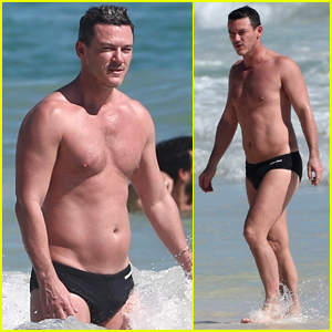 Luke Evans Bares Hot Body in Tiny Speedo on Vacation in Mexico!