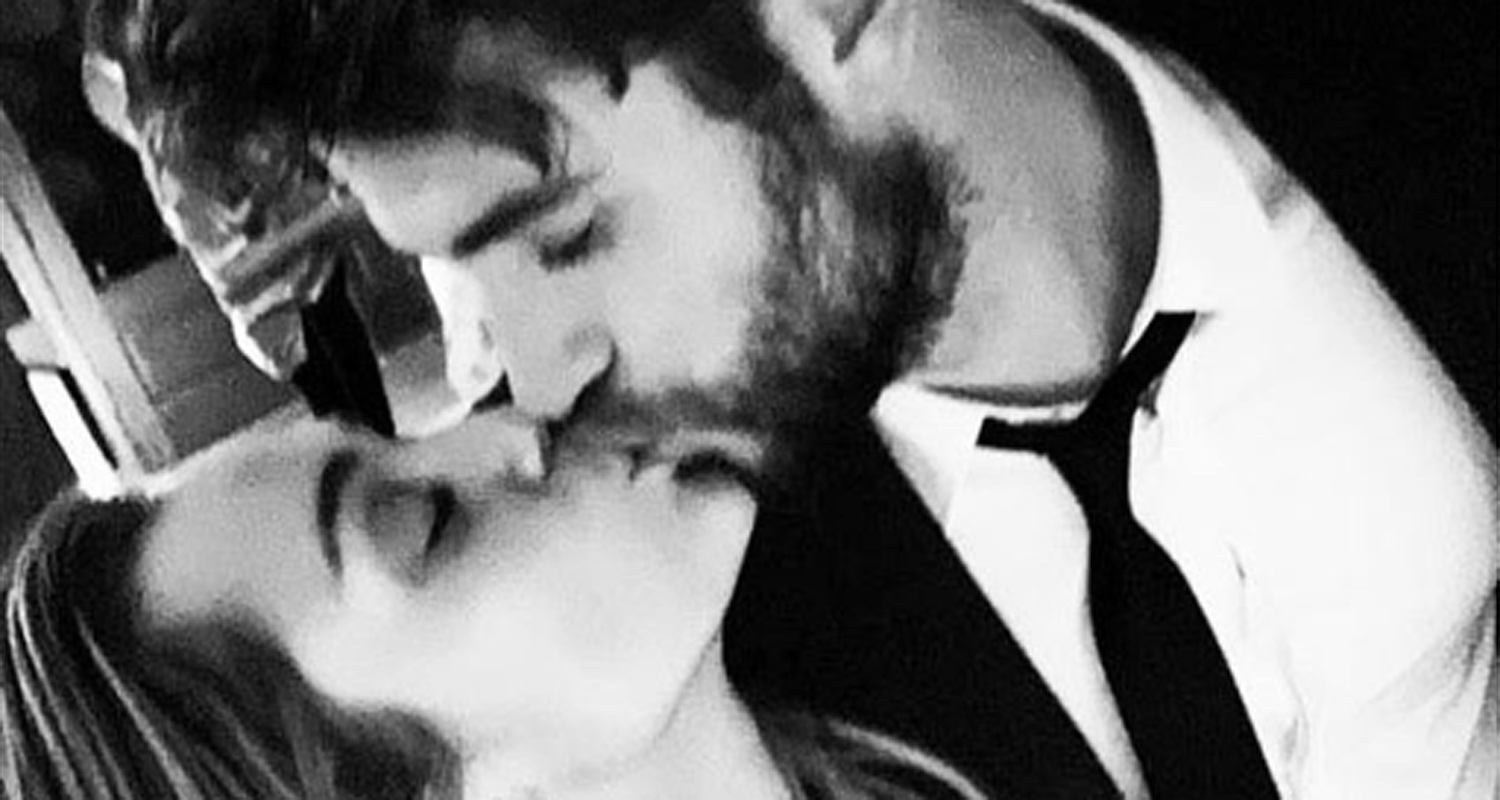 Miley Cyrus Confirms Marriage to Liam Hemsworth in ...