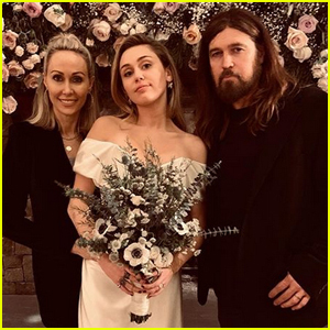 Miley Cyrus Poses with Parents Billy Ray & Tish Cyrus at Her Wedding!