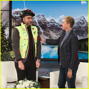 Steve Carell Reveals That a Fan Hit Him With Her Car on 'Ellen' - Watch Here!