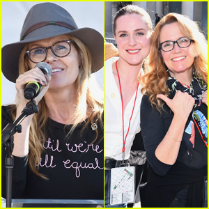 Connie Britton, Evan Rachel Wood, & Lea Thompson Hit the Stage at Women's March 2019!