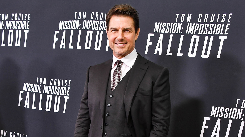 Tom Cruise Announces U...