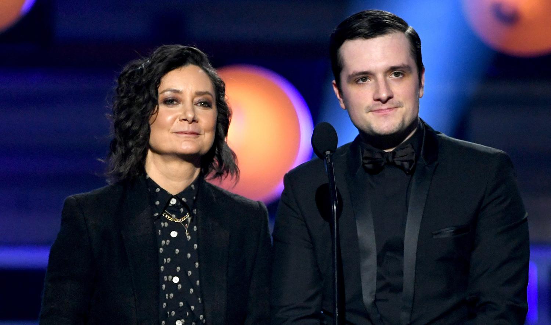 Josh Hutcherson & Sara Gilbert Take the Stage at Critics ...