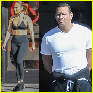 110b022291038 Jennifer Lopez Bares Chiseled Abs During Workout with Alex Rodriguez!
