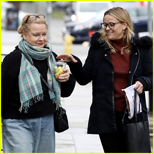 Reese Witherspoon's Mom Joins Her for a Breakfast Date