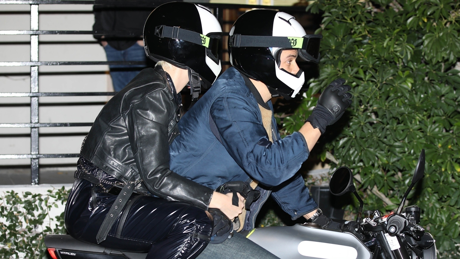 86777532a746 Katy Perry & Orlando Bloom Arrive on Motorcycle for Jennifer Aniston's  Birthday Party