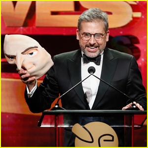 Steve Carell Hits Stage as Gru at VES Awards 2019!