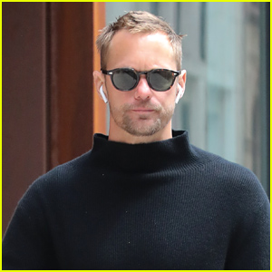 Alexander Skarsgard Heads Out for the Day in NYC After Attending Tribeca Film Festival 2019