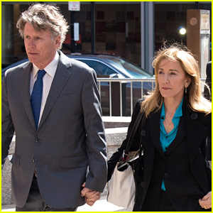 Felicity Huffman Arrives to Court Without Husband William H. Macy