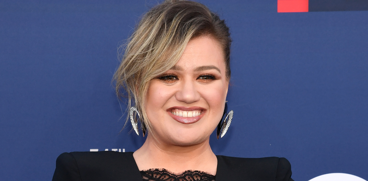 Kelly Clarkson Was Mistaken For A Seat Filler At Acm