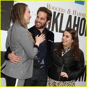 High School BFFs Ben Platt, Beanie Feldstein, & Kathryn Gallagher Reunite at 'Oklahoma' Opening!
