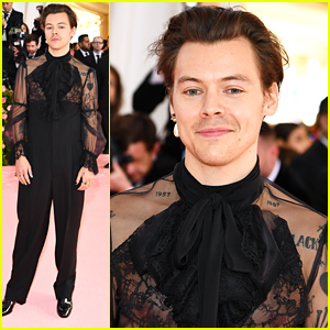 cc7a239f737 Harry Styles Wears Gucci For His First Met Gala