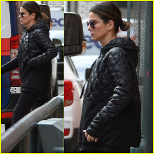 Sandra Bullock Stops By a Doctor's Office in Beverly Hills